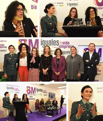 Arriba, Alicia Vicente, Cristina Arias y Sonia Soria. En el centro, foto de los participantes en el acto.