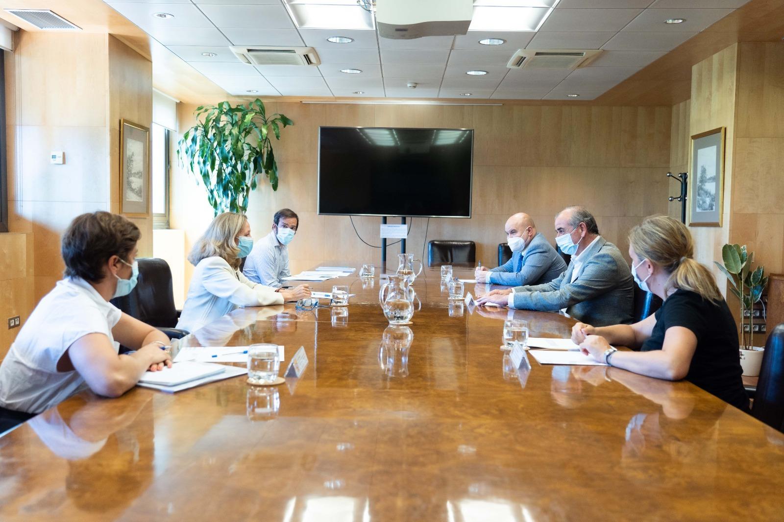 Encuentro de la PTS con la ministra Calviño