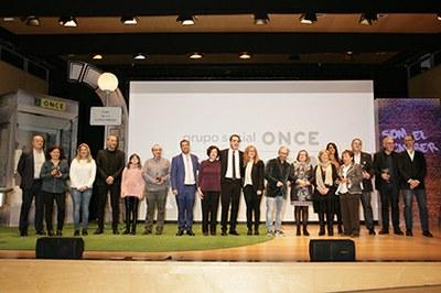 Foto de familia de la entrega de los Premios Solidarios ONCE Catalunya 2019