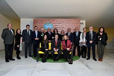 Galardonados con los Premios Solidarios ONCE Euskadi 2019, junto a responsables de la ONCE y autoridades vascas