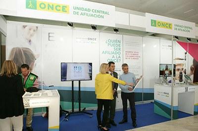 Stand de la ONCE en el 95 Congreso Nacional de Oftalmología