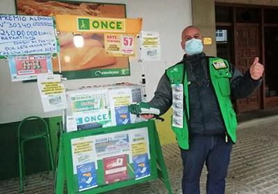 Alejandro Acevedo, vendedor de la  ONCE en Gipuzkoa