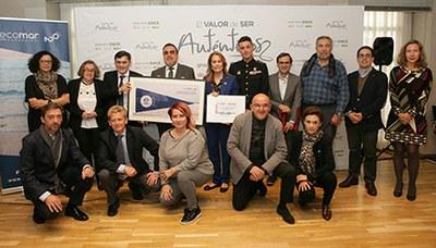 Foto de familia de la presentación del cupón de la ONCE dedicado al 20 aniversario de la Fundación Ecomar