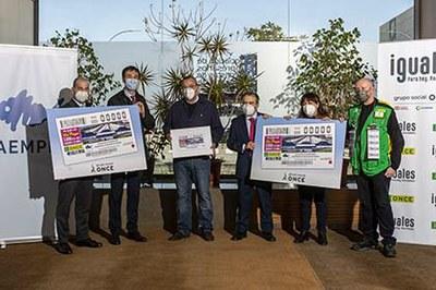 Foto de familia de la presentación del cupón dedicado a la Asoc Mayoristas de Pescados de Madrid