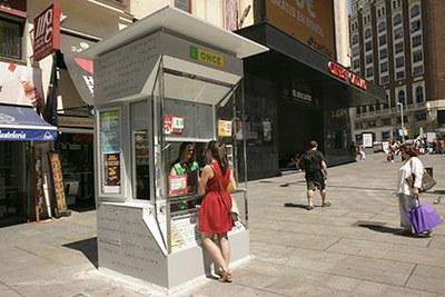 Nuevo modelo de quiosco de la ONCE, en la Plaza de Callao de Madrid