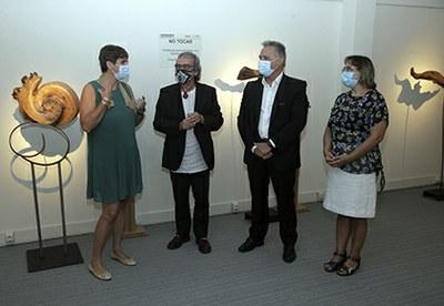 Foto de familia de la inauguración de la exposición de Teo Calvo en el Museo Tiflológico