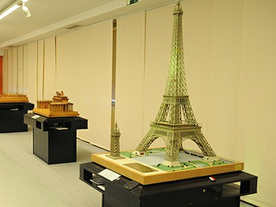 Maqueta de la Torre Eiffel en el Museo Tiflológico