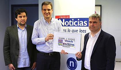 Foto de familia de la presentación del cupón de la ONCE dedicado al 25 aniversario de Diario de Noticias