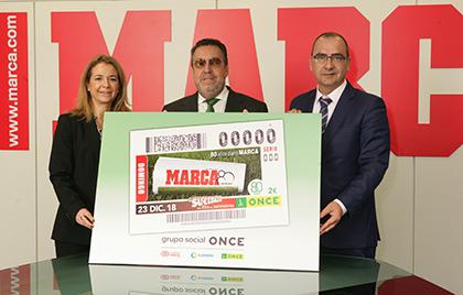El presidente de la ONCE y el director de MARCA presentan el cupón dedicado al diario