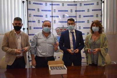 Foto de familia Ayuntamiento y ONCE