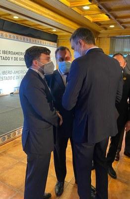 Miguel Carballeda y Alberto Durán junto a Pedro Sánchez