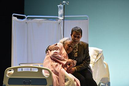 Dos actores de Valacar en una escena de Flechas del ángel del olvido