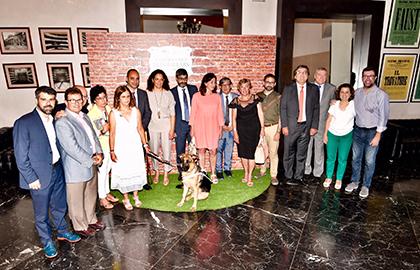 Photocall con todos los premiados y autoridades asistentes a la gala de los Premios Solidarios Illes Balears 2019
