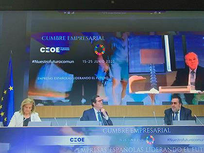 De izquierda a derecha Fátima Báñez, Antonio Garamendi y Miguel Carballeda