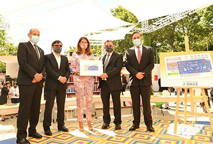 Foto de familia de la presentación del cupón de la ONCE dedicado a Colombia