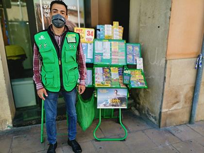 Sergi Coral, vendedor que ha dado cerca de 21 millones con el Extra del Día de la Madre de la ONCE
