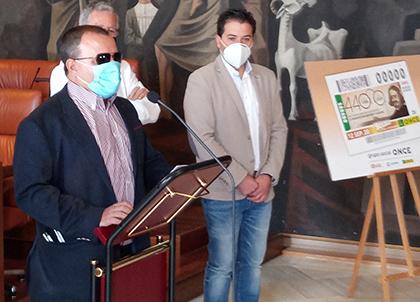 Presentación del cupón dedicado al 440 aniversario del nacimiento de Francisco de Quevedo