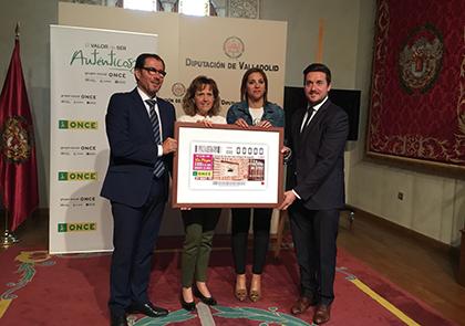Presentación del cupón de la ONCE dedicado al buzón de Correos más antiguo de España, situado en Mayorga