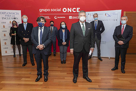 Foto de familia del III Encuentro Diplomacia para la inclusión