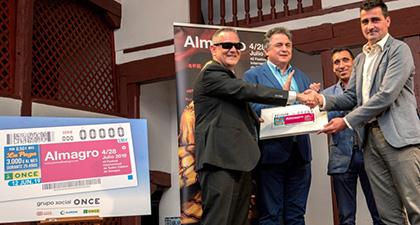 Presentación del cupón de la ONCE dedicado al Festival Internacional de Teatro de Almagro