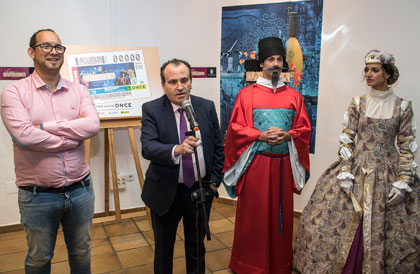 El delegado territorial de Madrid presenta el cupón dedicado a la Feria Barroca de Valdemoro