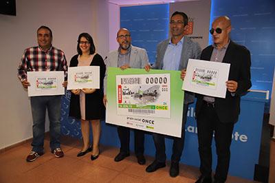 Foto de familia presentación del cupón dedicado a la Wine Run de Lanzarote