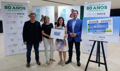 Foto de familia de todos los participantes en la presentación del cupón dedicado al Festival de Santander