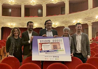 Foto de familia de la presentación del cupón