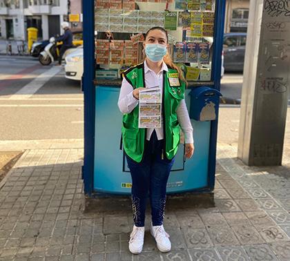 Mónica Bachero, vendedora de la ONCE que ha dado La Paga en Barcelona