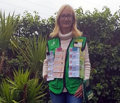 Pilar Tabuenca, vendedora de la ONCE de Zaragoza