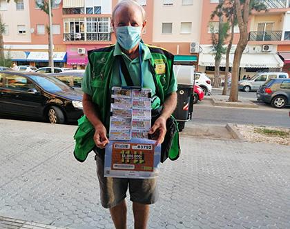 El vendedor de la ONCE de El Puerto de Santa María Héctor Ferrer