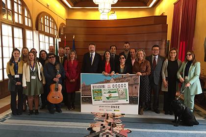 Foto de familia de la presentación del cupón de la ONCE dedicado al 28-F, Día de Andalucía