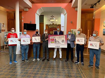 Foto de familia de la presentación del cupón dedicado al Grupo Folclórico Los Cebolleros de Gáldar