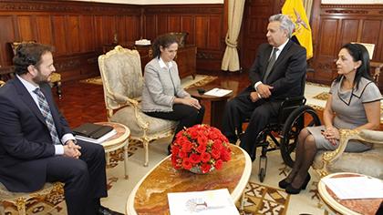 Foto de la reunión con el presidente de Ecuador