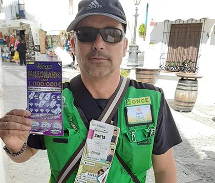 David Martínez vendedor de la ONCE que ha dado un millón con el rasca Megamillonario