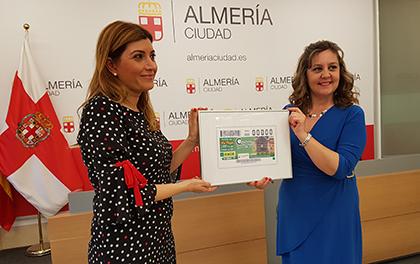 Presentación del cupón dedicado al Reloj dela antigua estación de ferrocarril de Almería