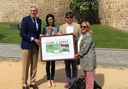 Foto presentación cupón ONCE dedicado al Reloj de Sol de la Muralla de Ávila