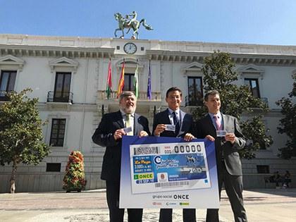 Presentación del cupón de la ONCE dedicado al Reloj del Ayuntamiento de Granada