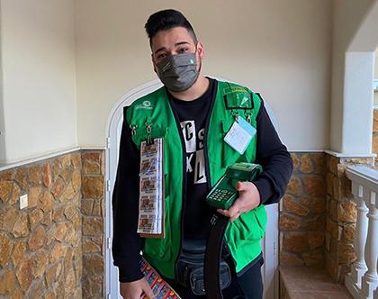 Aarón López vendedor del cupón premiado con el  Sueldazo en  Viator