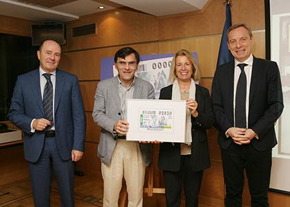 Foto de familia de la presentación del cupón de la ONCE dedicado al 20 aniversario de Forética