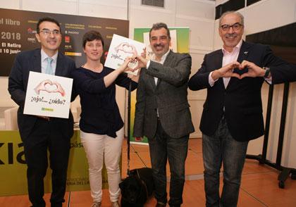 """Andrés Ramos junto a Raquel Alba y Gallego&Rey durante la presentación del """"¡Ojo!... ¿Oídos?"""""""