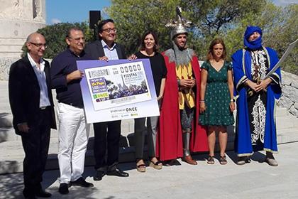 Presentación del cupón de la ONCE dedicado a las Fiestas del Rei en Jaume, en Calviá