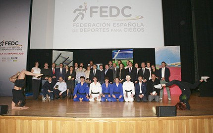 Foto familia Gala Federación Española de Deportes para Ciegos
