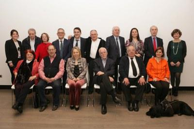 Foto de familia jurado del 32 Premio Tiflos de Literatura
