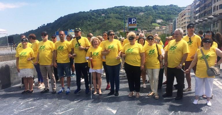 2018 Foto de familia de todos los participantes de la Carrera de Cascabeles en Donostia