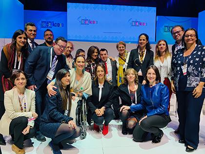Miembros del Programa Iberoamericano junto a vicepresidenta Argentina