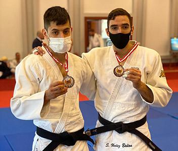 Daniel Gavilán y Sergio Ibáñez con su medalla