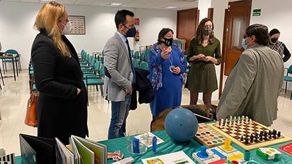 Un momento de la visita del alcalde de Ibiza a la sede de la ONCE