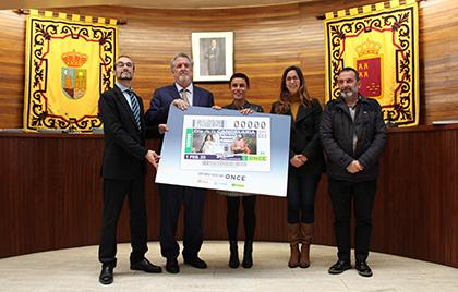 Presentación del cupón de la ONCE dedicado a La fiesta de La Candelaria, en Beniel