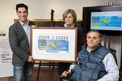 Emilio Corchado, Teresa Palahí y Jesús Herández, presentan el cupón dedicado a Startup Olé 2019